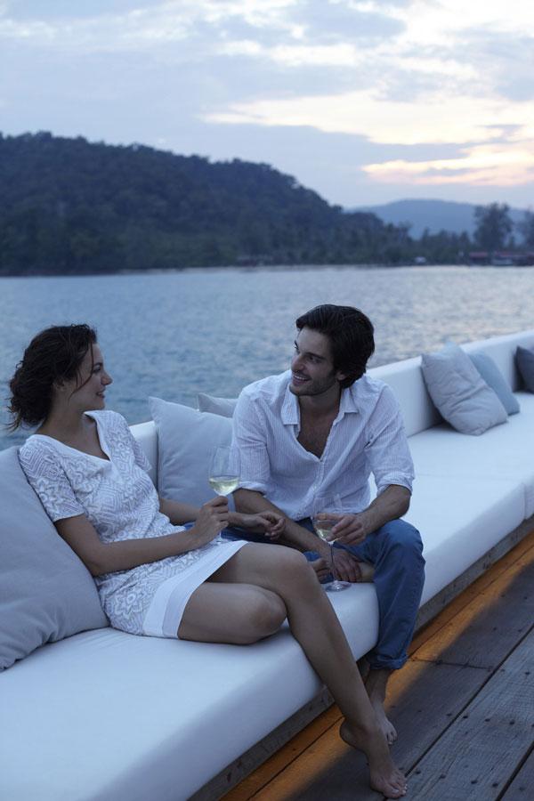02-vista-guests-at-sunset_6671